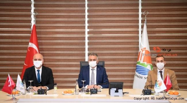 """Vali Yazıcı: """"Virüsle mücadele ederken üretimimizi ihmal etmiyoruz"""""""