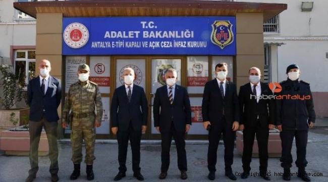 Yazıcı: Koronavirüs ceza infaz kurumumuzun dışına mahkum edilmiş