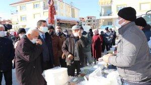 AK Parti'den pazar esnafına ziyaret