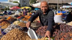 Antalya'yı kuruyemişe doyuruyor