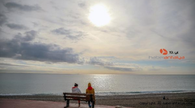 Antalya'da deniz havadan sıcak olunca...