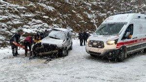 Antalya'da feci kaza: 2 ölü, 3'ü ağır, 5 yaralı