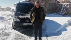 Antalya'da kardan yaylada mahsur kalan vatandaş kurtarıldı
