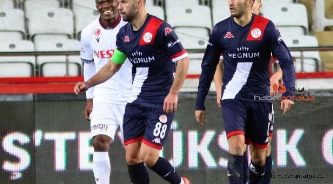 Antalyaspor'da Ersan Adem Gülüm vasatı aşamadı
