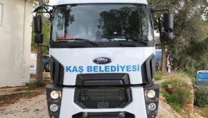 Çevre ve Şehircilik Bakanlığından Kaş Belediyesine hibe araç