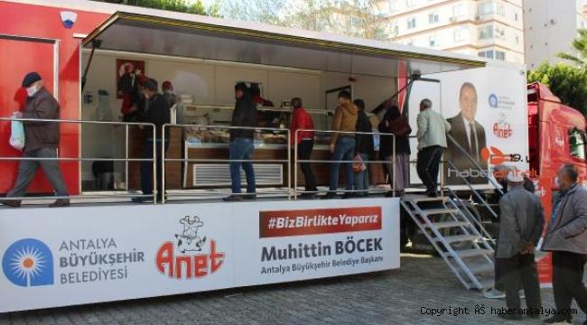 Halk Et TIR'ında 5 ilçede 3271 kilo et satışı yapıldı
