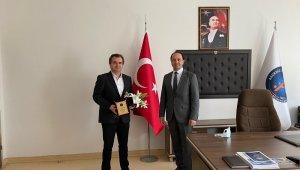 Akdeniz Üniversitesi Fen Bilimleri Enstitüsü'nde devir teslim töreni