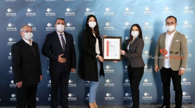 Antalya Akvaryum'a 'Güvenli Turizm' sertifikası
