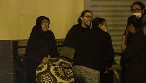 Antalya'da anne- kızın yaşadığı 'çöp' dolu ev, küle döndü !