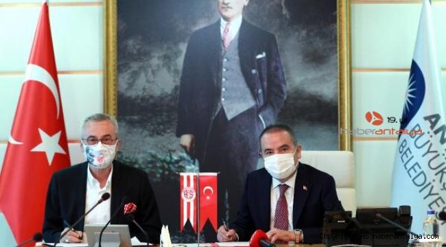 Büyükşehir, Antalyaspor'a 2 yılda 3 milyon lira ödeyecek