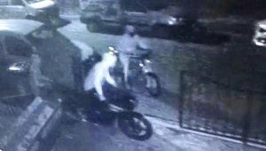 Çaldıkları motosikletleri almaya gelince yakalandılar