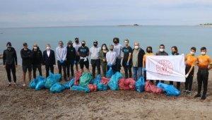 ABD'liler Alanya sahilini temizlediler