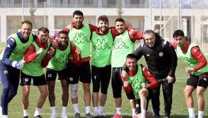 Antalyaspor, Fenerbahçe karşısında 55 yıllık tarihinde ilki yaşamak istiyor