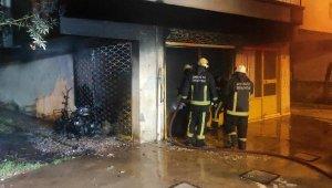 Depo yangınında genç kadının motosikleti küle döndü