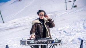 Dünyaca ünlü Ukraynalı DJ Katy Rise, klip için Saklıkent'i seçti