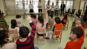 Minik öğrenciler ağız ve diş taramasından geçti