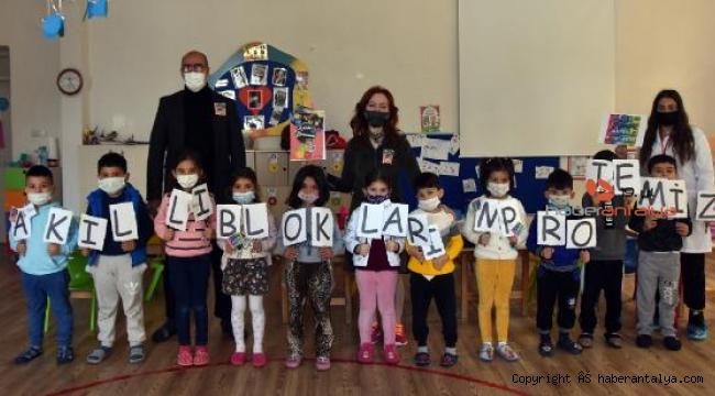 Öğretmenlerden 'Akıllı Bloklarım' projesi