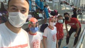 Antayasporlu Beste, yüzmede Antalya Şampiyonu oldu