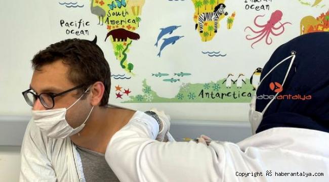 Finike Biontech aşısında yetkili oldu