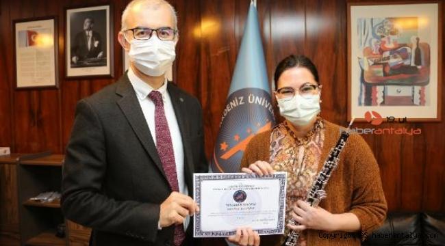 Türkiye'nin ilk ve tek obua profesörü konser verdi