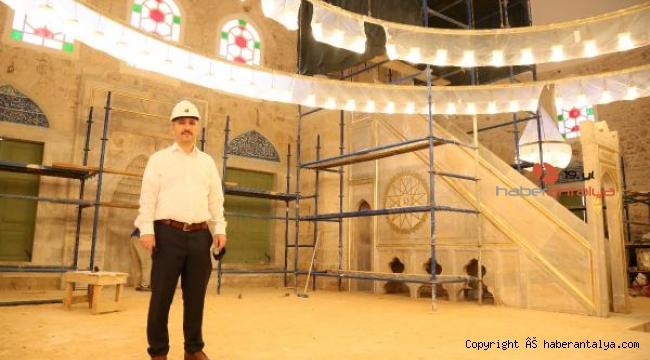 500 yıllık caminin süsmeleri çimentoyla kapatılmış