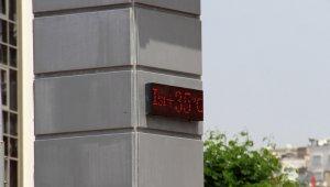 Antalya tam kapandı, termometreler 35'i gösterdi