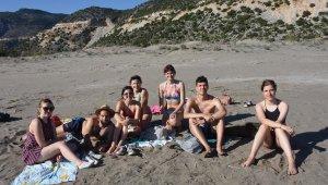 Demre sahilleri turistlere kaldı