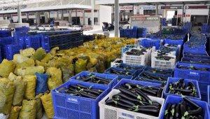 Esnaf zorda. 'Semt pazarları açılsın' talebi