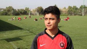 Gol kraliçesi Zelal Baturay: Bütün gollerim babam için