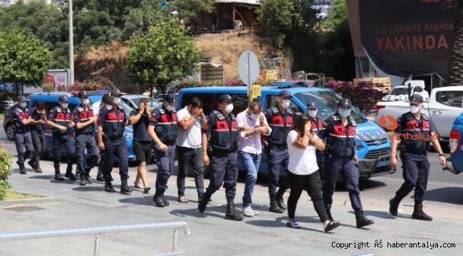 16 kaçak göçmen ve 7 organizatör yakalandı !