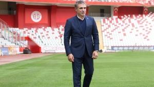 Antalyaspor'da yaprak dökümü;, 4 futbolcuyla yollar ayrılıyor