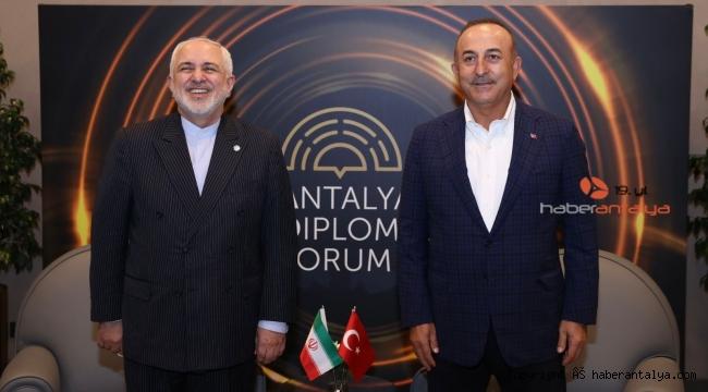 Dışişleri Bakanı Çavuşoğlu'nun diplomasi trafiği aralıksız sürüyor
