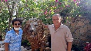 Fatih Terim'e çok özel aslan heykelleri