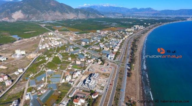 Finike, bölünmüş yol projesinden çıkarıldı