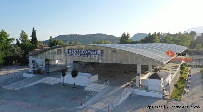 Kaş'a kapalı pazaryeri ve bisiklet yolu açılıyor
