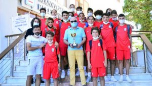 Şampiyon futbolcular Manavgat'ta