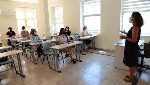 Üniversite sınavına girecek öğrencilere psikolojik destek