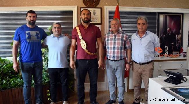 Ali Gürbüz'ün son durağı Kemer Belediyesi