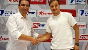 Deni Milosevic'ten Antalyaspor'a şafakta imza !