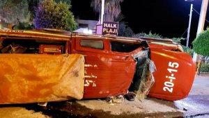 Denizli'den Mersin'deki yangına müdahale etmek içi çıkan araç Antalya'da kaza yaptı !