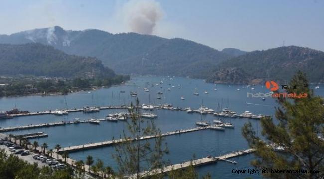 Alevlerin ilerlediği marinadaki yatlar ve tekneler açığa demirledi !