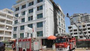 Antalya'da bir yangın da otelde çıktı !