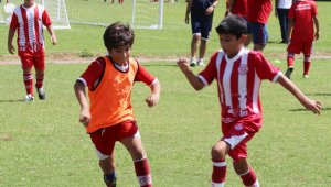 Antalyasporlu küçük futbolcular, 30 Ağustos Zafer Kupası'nda