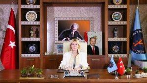 Rektör Özkan; 'Birbirimize aşı kadar uzağız'
