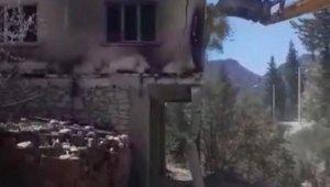 7 cami ve lojman yangında zarar aldı