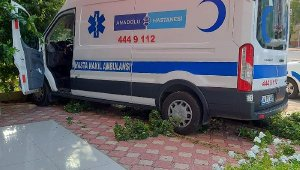 Ambulans, az daha eczaneye giriyordu !