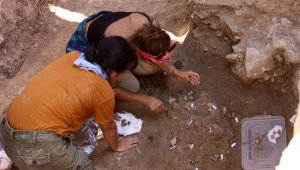 Bu parçalar, Myra'nın tarihini 2 bin yıl geriye götürdü