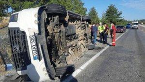 Feci kaza ! Otobüs ile öğrenci servisi ile çarpıştı: 1 ölü, 30 yaralı