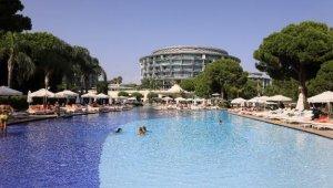 İngiltere Türkiye'yi kırmızı listeden çıkardı, oteller incelemeye alındı