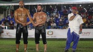 Merkezefendi güreşlerinin başpehlivanı Ali Gürbüz